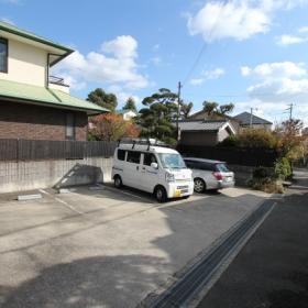 駐車場(別途15000円で契約可)