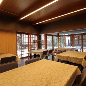 お寺の中の集会所的スペース。