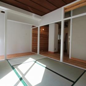 こちらはテラス付きの501号室です。